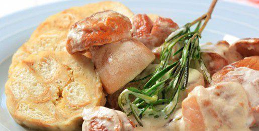 Gnocchi di pane con porcini in salsa di panna
