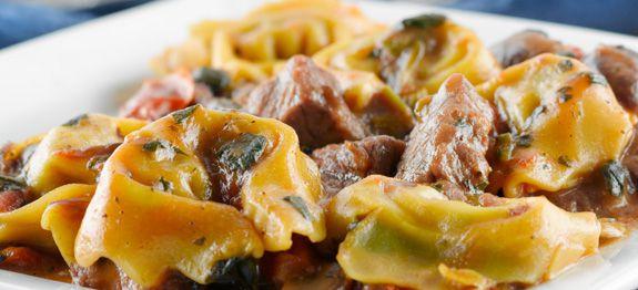 Tortelloni con brasato di manzo e champignon