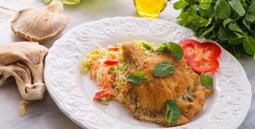 Ostrica al forno con funghi e insalata di cavolo verza