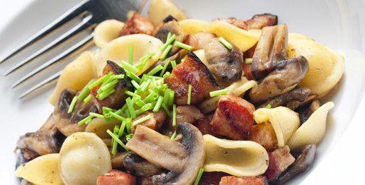 Orecchiette con champignon e pancetta