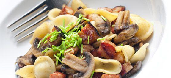 orecchiette con champignons e pancetta