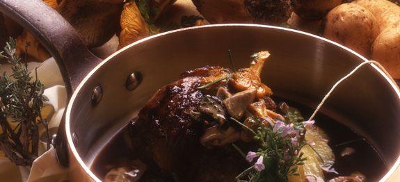 Filetto di vitellone con pancetta e porcini