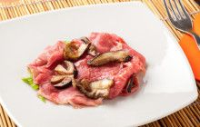 Carpaccio di carne rossa con funghi porcini