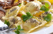 Ravioli ai funghi porcini con semi di papavero