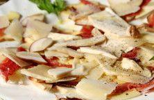 Insalata di funghi porcini con speck e parmigiano